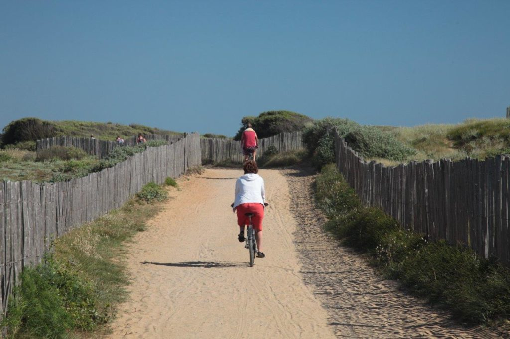 Sentier cyclable accès plage