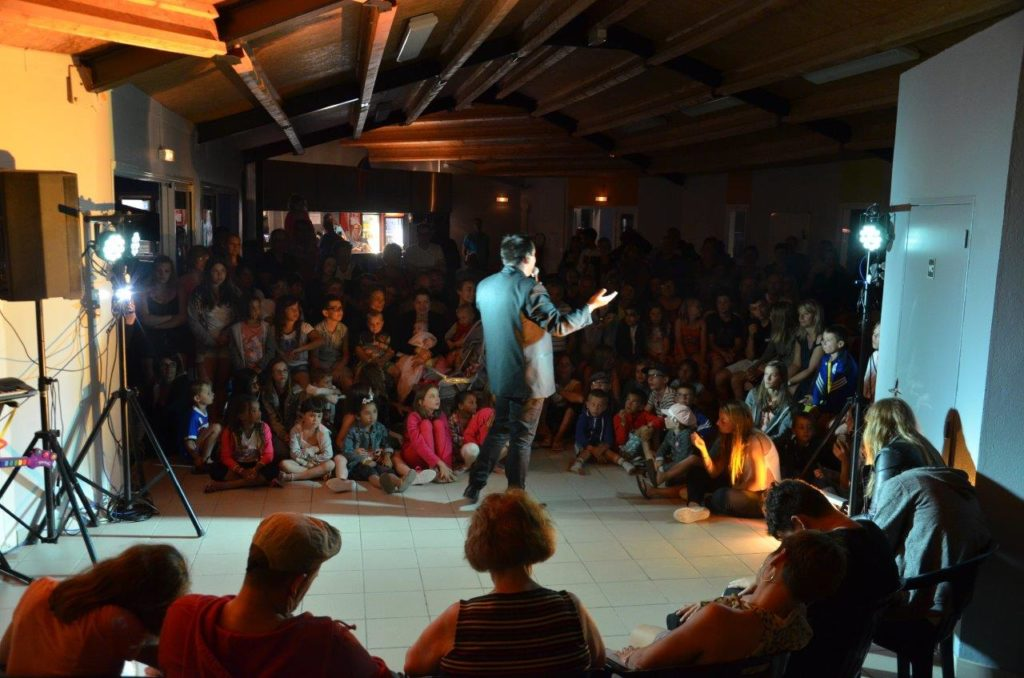Animateur spectacle camping